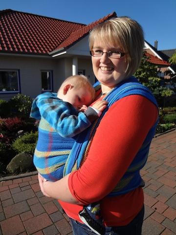 Und da ist schon der kleine Jannik in Begleitung seiner Mutter Lisa