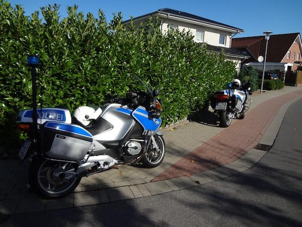 Ja, auch die Polizei fährt ordentliche Motorräder